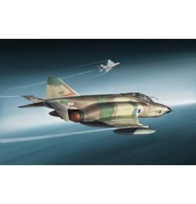 ITALERI 2737 Samolot myśliwsko-bombowy RF-4E Phantom II