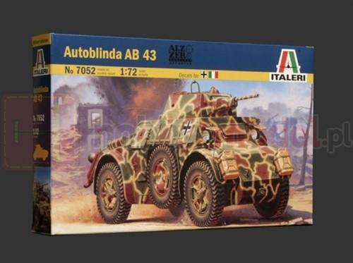 ITALERI 7052 Pojazd Autoblinda AB 43