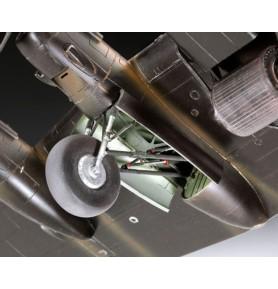 REVELL 04295 Ciężki myśliwiec Avro Lancaster DAMBUSTER