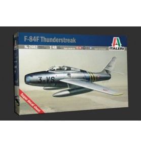 ITALERI 2682 Myśliwiec F-84F Thunderstreak