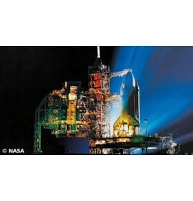 REVELL 04911 Shuttle Launch Tower & Shuttle