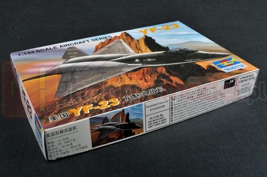 TRUMPETER 01332 Myśliwiec YF-23