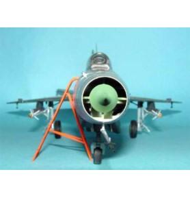 TRUMPETER 02210 Myśliwiec MiG-21 F-13