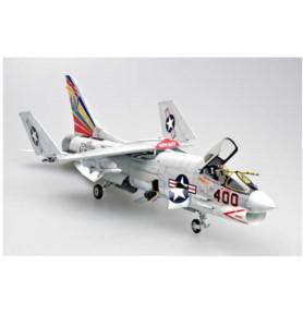 TRUMPETER 02272 Myśliwiec F-8E Crusader