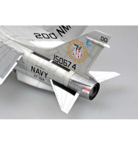 TRUMPETER 02273 Myśliwiec F-8J Crusader