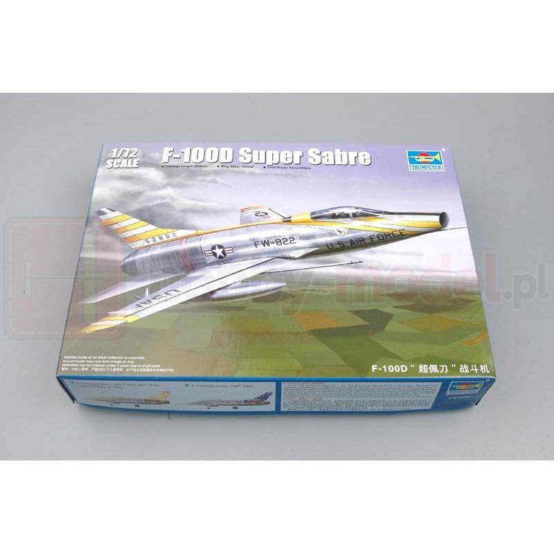 TRUMPETER 01649 Myśliwiec F-100D Super Sabre