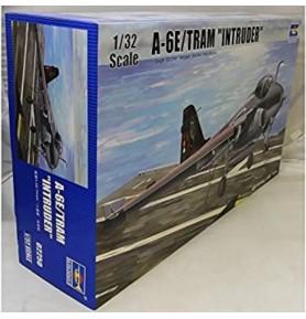TRUMPETER 02250 Szturmowiec A-6E/Tram