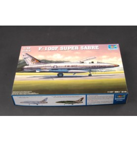 TRUMPETER 02840 Myśliwsko-bombowy F-100F Super Sabre