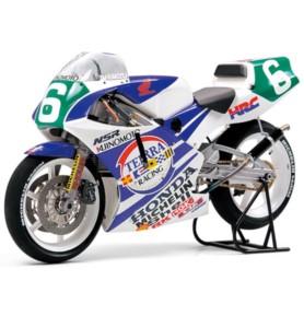 TAMIYA 14110 Motocykl Ajinomoto Honda NSR250 '90