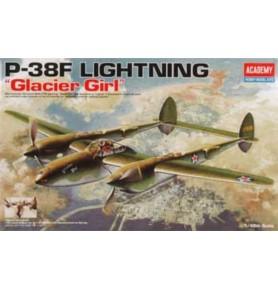 ACADEMY 12208 Amerykański samolot myśliwski dalekiego zasięgu WWII