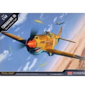 ACADEMY 12235 Amerykański samolot myśliwski P-40C Tomahawk Iib