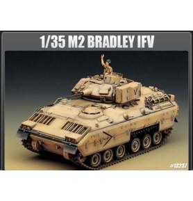 ACADEMY 13237 Bojowy wóz piechoty M2 Bradley