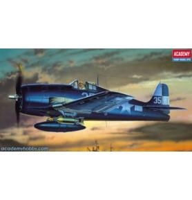 ACADEMY 2121 Samolot myśliwski F6F-3/5 HELLCAT