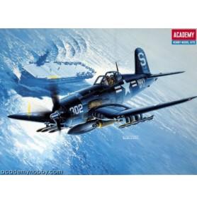 ACADEMY 2124 Myśliwiec F4U-4B Corsair