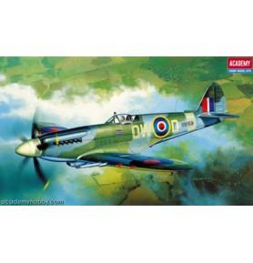 ACADEMY 2130 Samolot myśliwski Spitfire MK XIV