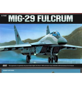 ACADEMY 4441 Myśliwiec frontowy MIG-29