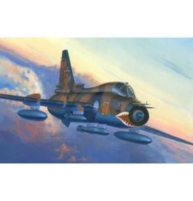 MISTERCRAFT D-16 Samolot SU-17 M4 Fitter K