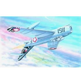 SMER0825 Samolot myśliwski MIG-17F
