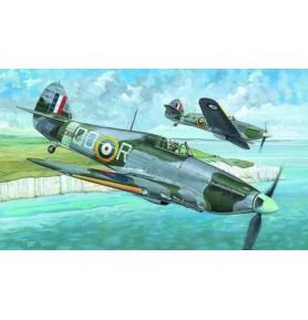 SMER0842 Samolot myśliwski Hurricane MK. IIC