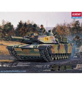 ACADEMY 13002 Amerykański czołg podstawowy M1 Abrams